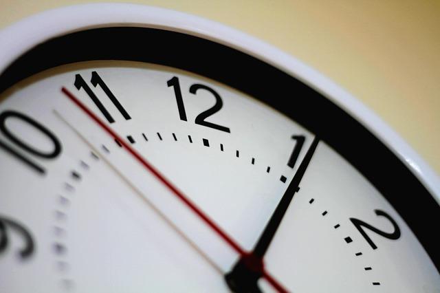 שעה בדובאי