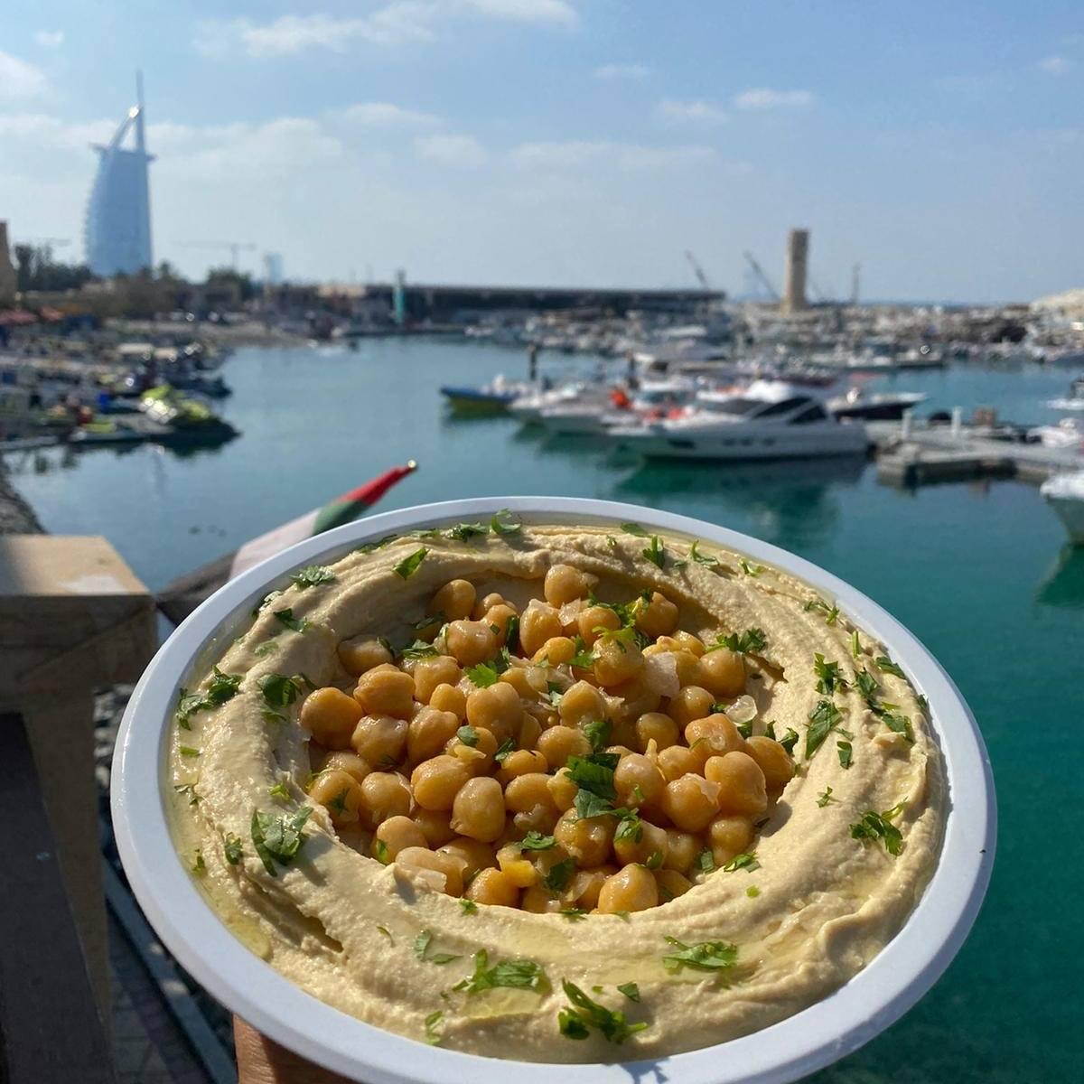 מסעדת מול הים דובאי